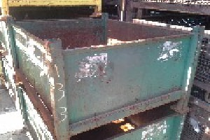 used Metal Container 40.5 x 32.5 x 32