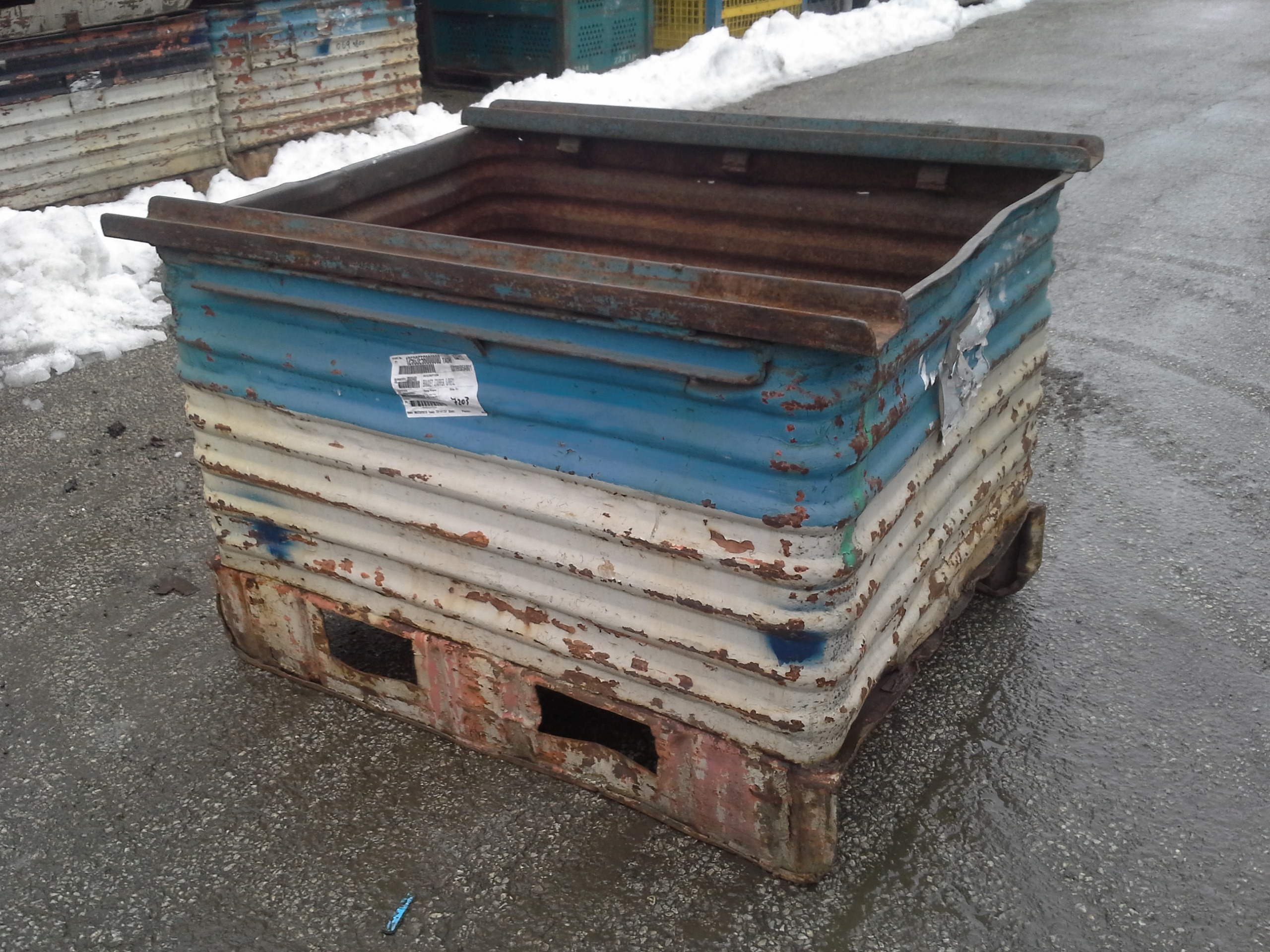 Metal container- Stackable